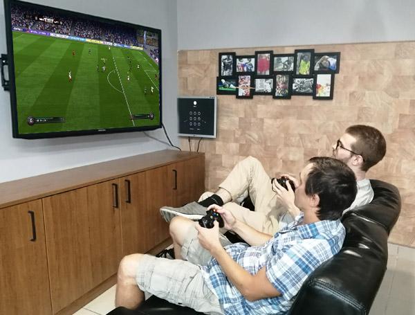 Поиграть в FIFA